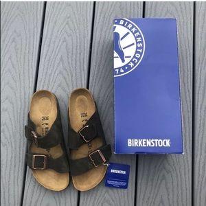 NWT Birkenstock soft brown suede sandals size 8
